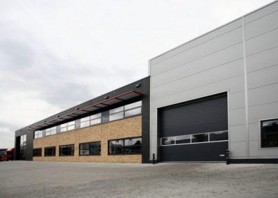 NB-Bedrijfspand-Runnenbergweg-te-Vaassen-1-700x467